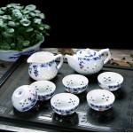 彩蝶壶玲珑8头青花瓷茶具