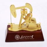 电动油田磕头机模型 金属工艺品 石油大学定制案例